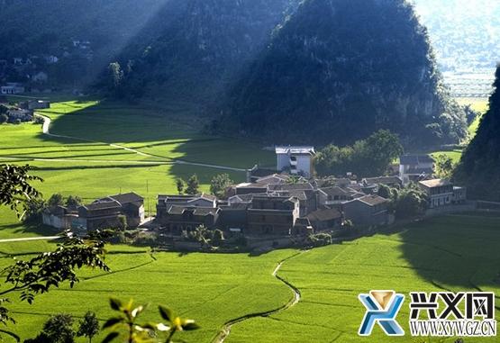 万峰林:在天然氧吧万峰谷中养生养心养生命